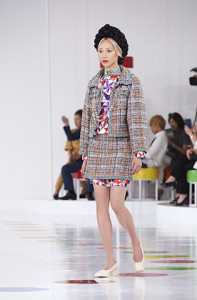 chanel-cruise-2015-16-show-seoul-looks-01