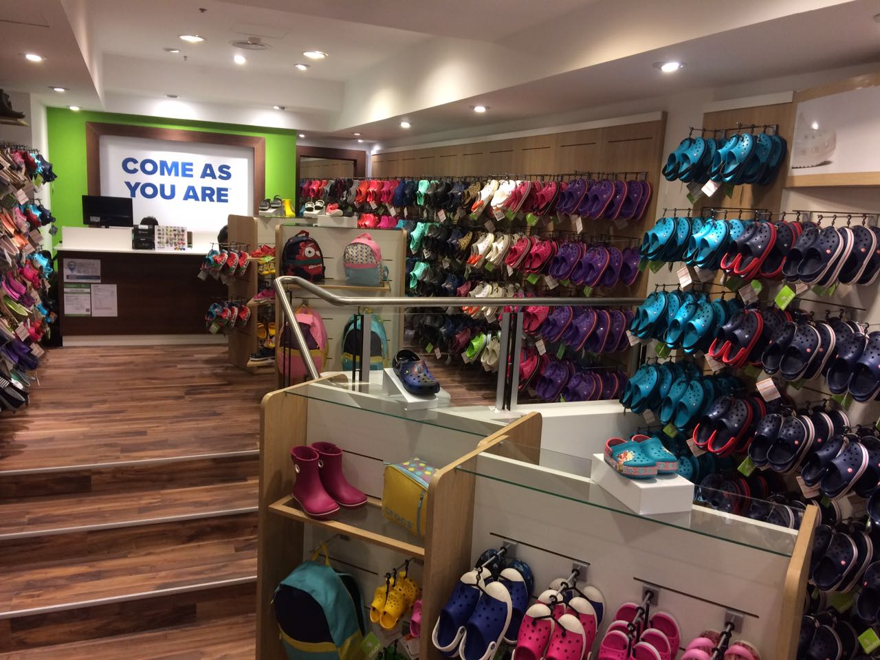 CROCS INAUGURA SU NUEVO LOCAL  EN PATIO OLMOS